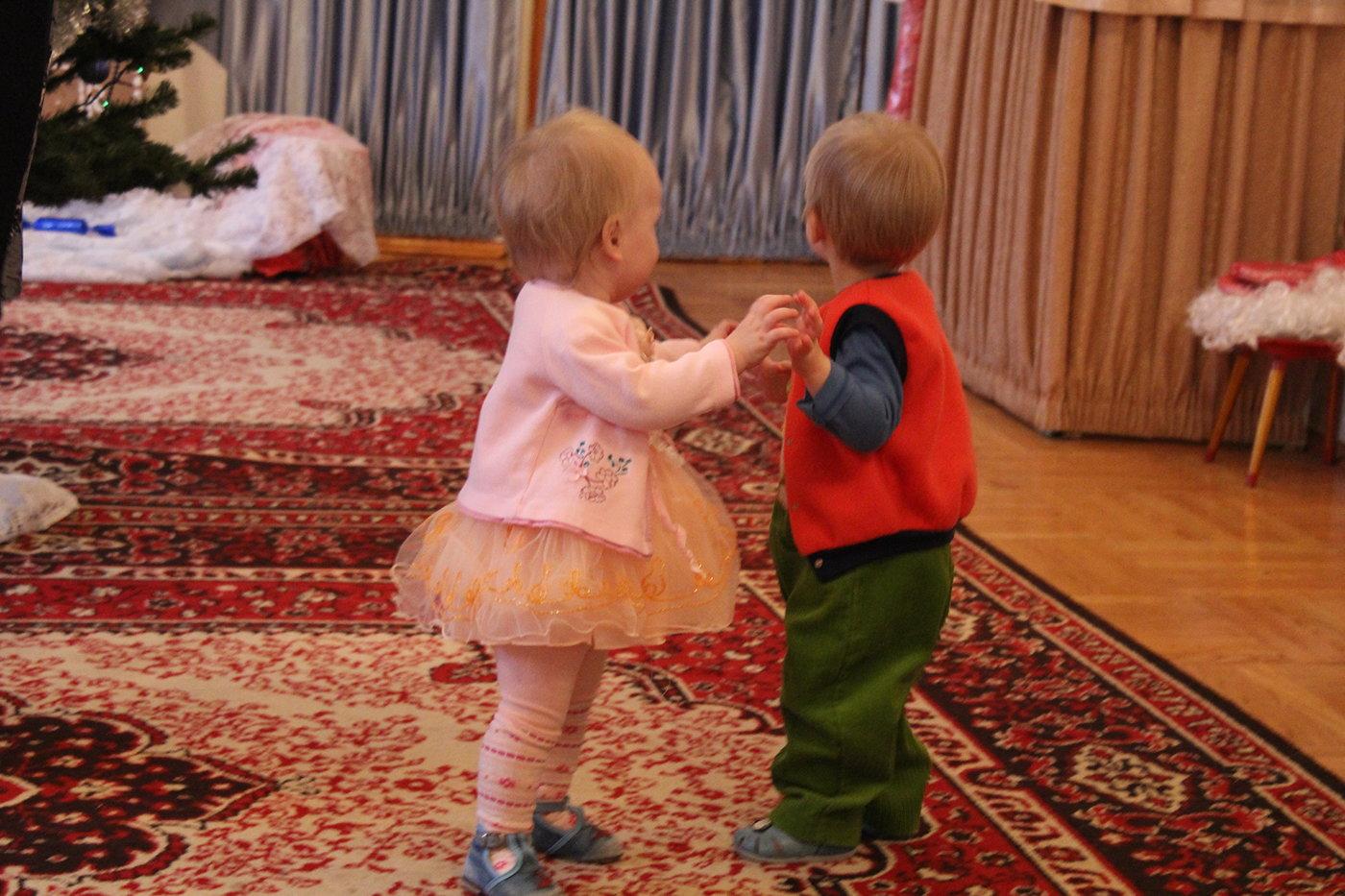 Музыка вручение подарков детям 81